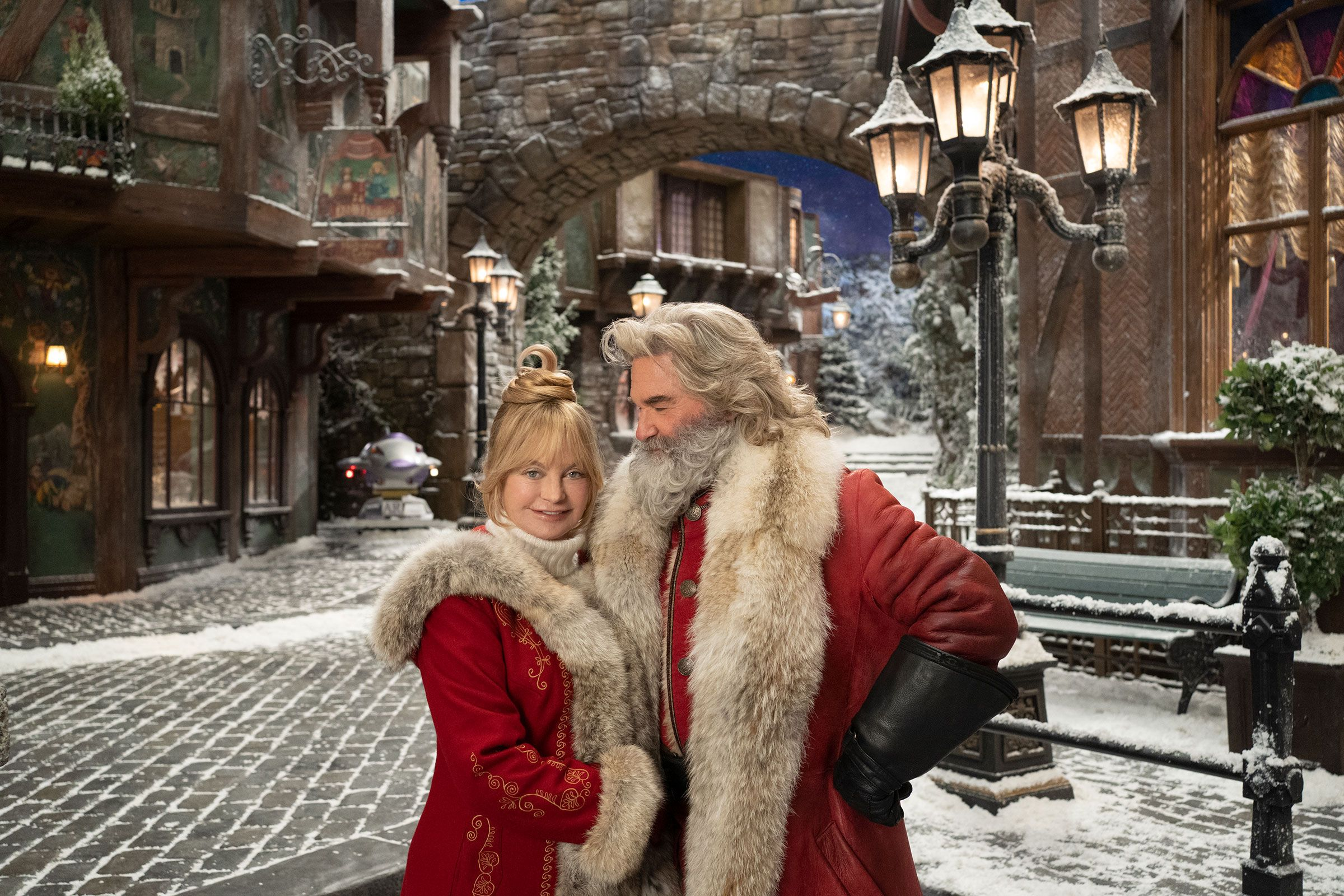 The Christmas Chronicles 2 With Kurt Russell Goldie Hawn Set For Holiday 2020 Goldie Hawn Kurt Russell Goldie Hawn Kurt Russell