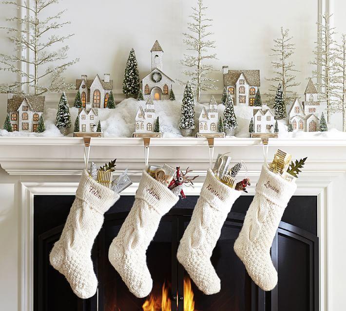 Nemnozhko Rozhdestva Ot Pottery Barn Christmas Mantel Decorations