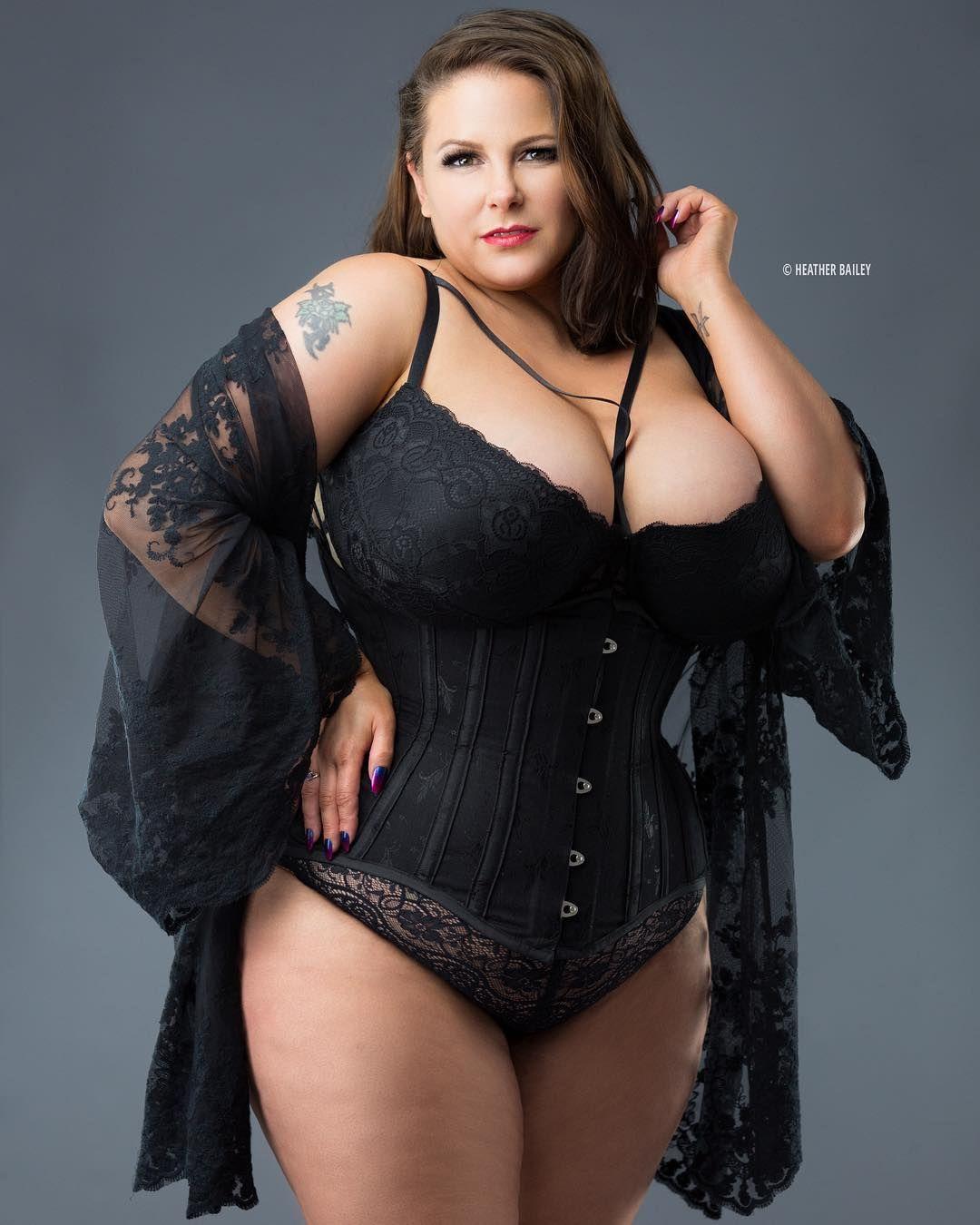 Plus size fetish corset