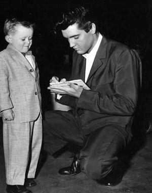 Elvis Presley/Elvis with fans