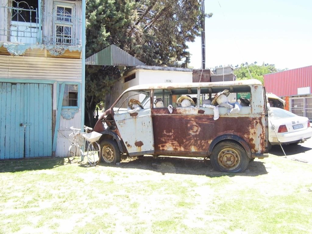 Incredible Sandra and her shop in Fricksburg (S.A.)