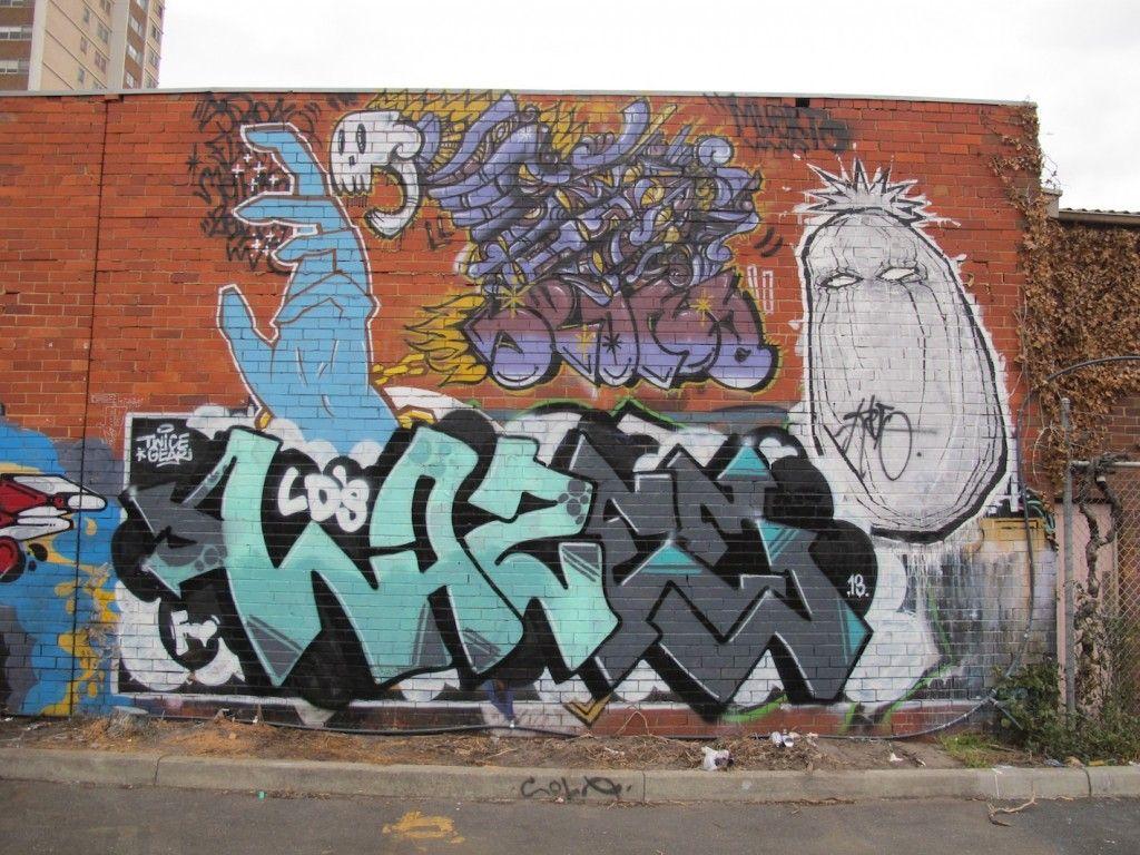 deansunshine_landofsunshine_melbourne_streetart_graffiti_peoples market over and out 7