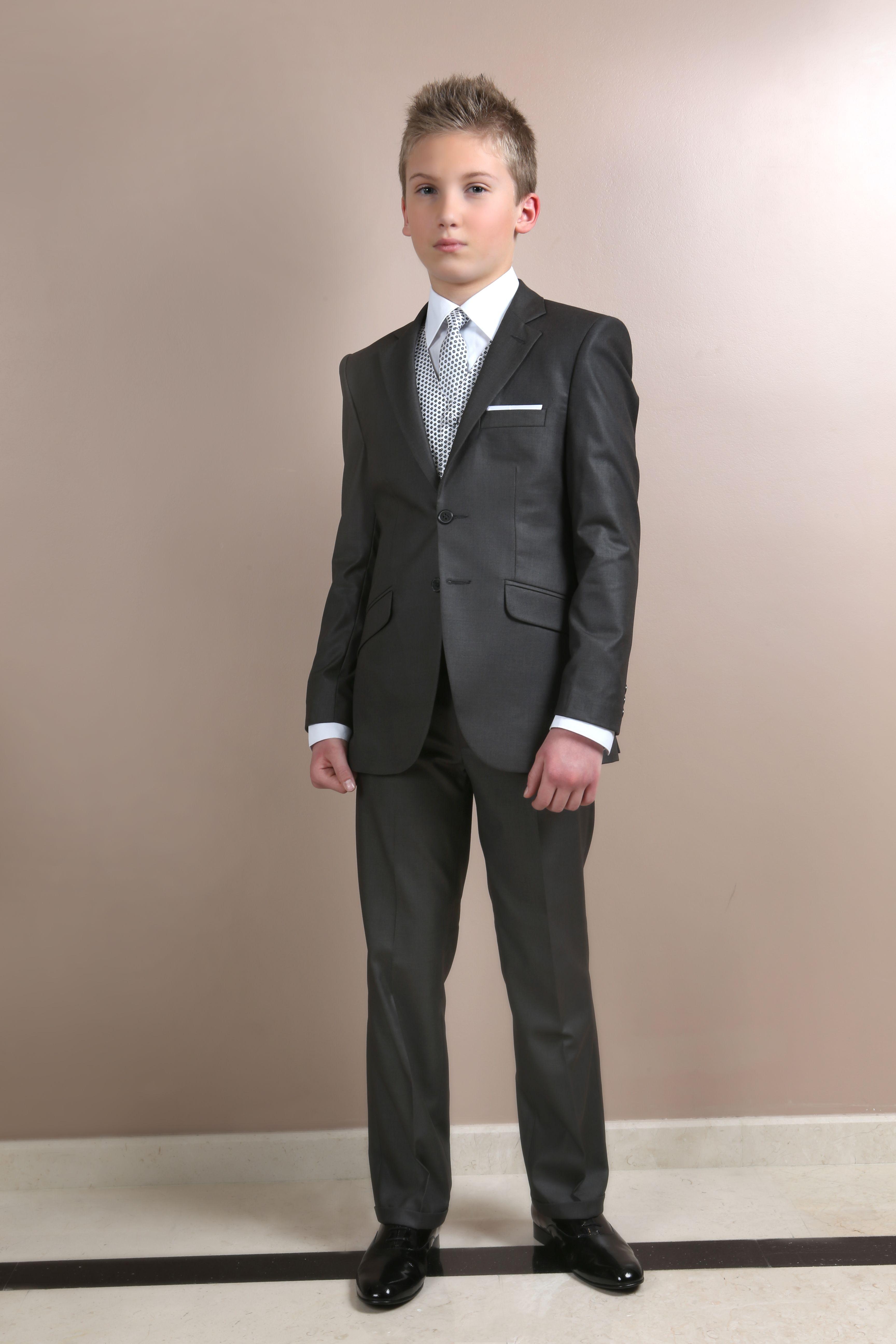 Costume de garçon pour mariage.  077715a61ff