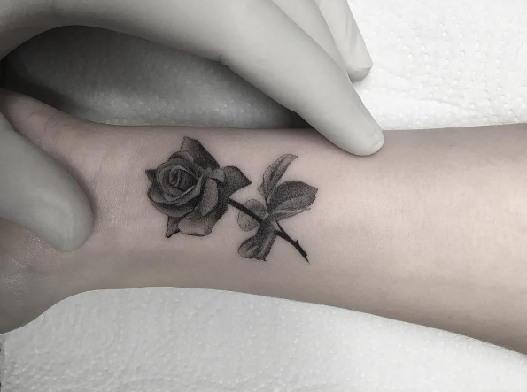 40+ Blackwork Rose Tattoos You'll Instantly Love