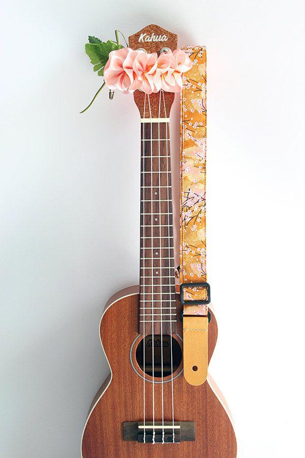 Etsy のUkulele strap & ribbon lei / kimono yellow/ ukulele strap ...