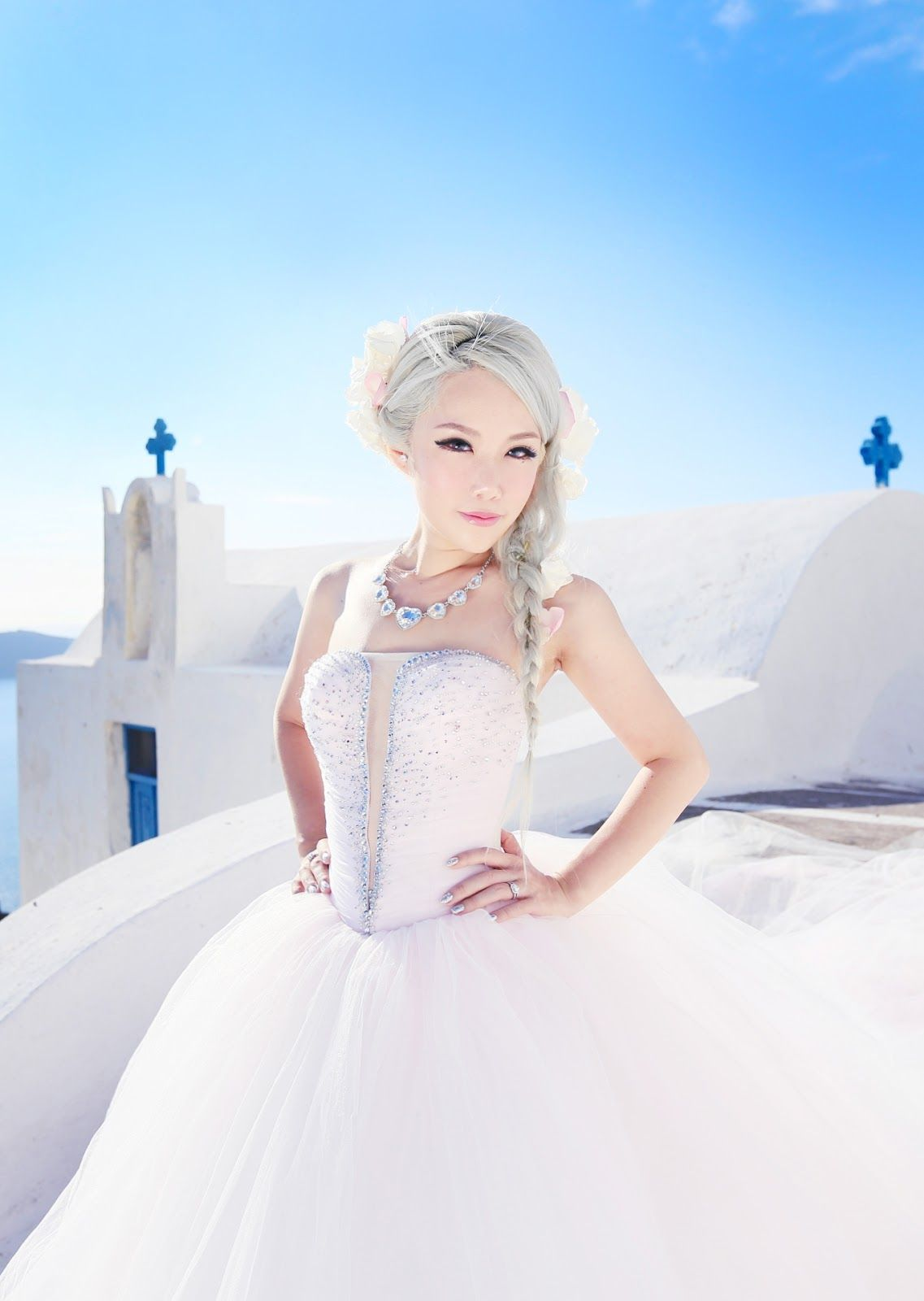 Xiaxue S Amazing Wedding Shoot With Sunrise Greece In Santorini Xiaxue Blogspot Com Bridal Musings Wedding Wedding Photoshoot Wedding