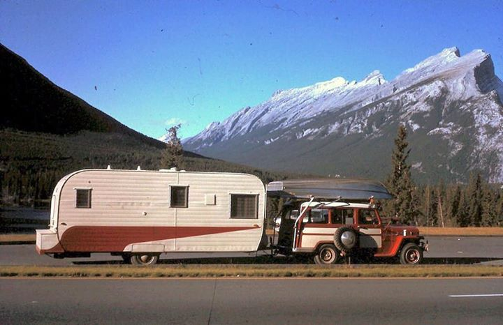 Camping vintage trailers