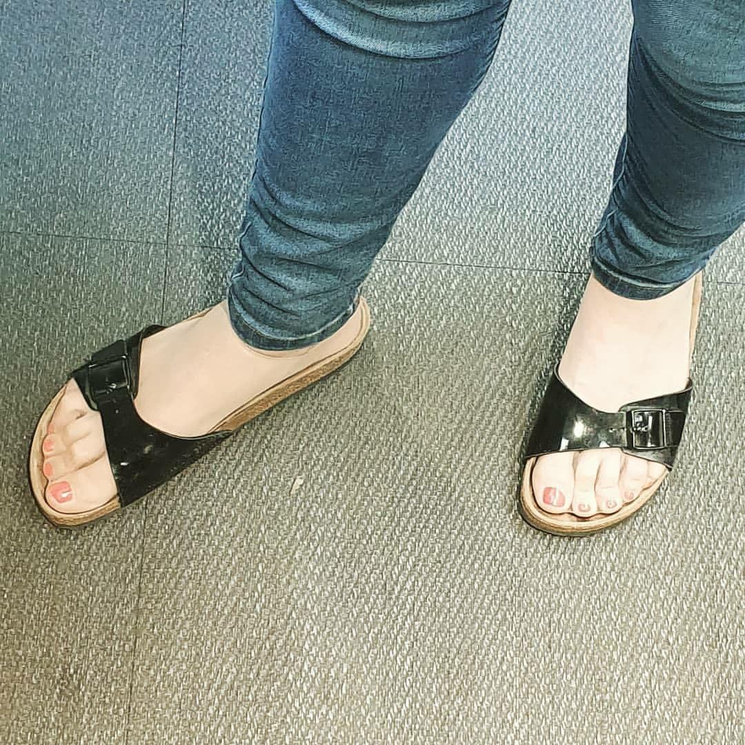 Pin Na Nastence Corks Sandals Flips Pantyhose