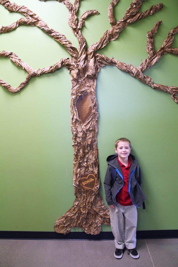 making a giant classroom tree for my kindergartener diy ideas classroom tree paper tree. Black Bedroom Furniture Sets. Home Design Ideas