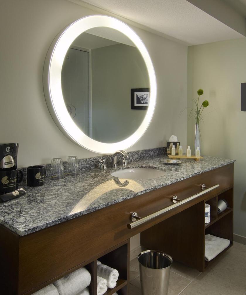 35 Stunning Bathroom Vanity Mirrors With Light Designs Stylish Bathroom Bathroom Vanity Mirror Bathroom Mirror