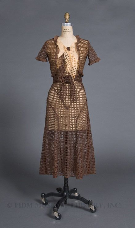 If You Love Vintage Fashion And Find Yourself In Los Angeles Visit The Fashion Institute Of Design Merchandisin Fashion Vintage Fashion 1930s Cutwork Dress