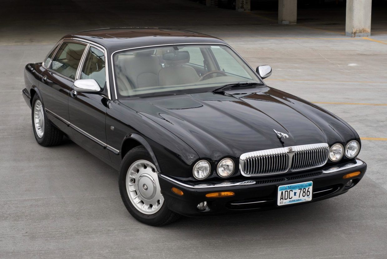 No Reserve One Owner 1998 Jaguar Xj8 Vanden Plas Jaguar Car Classic Cars Jaguar