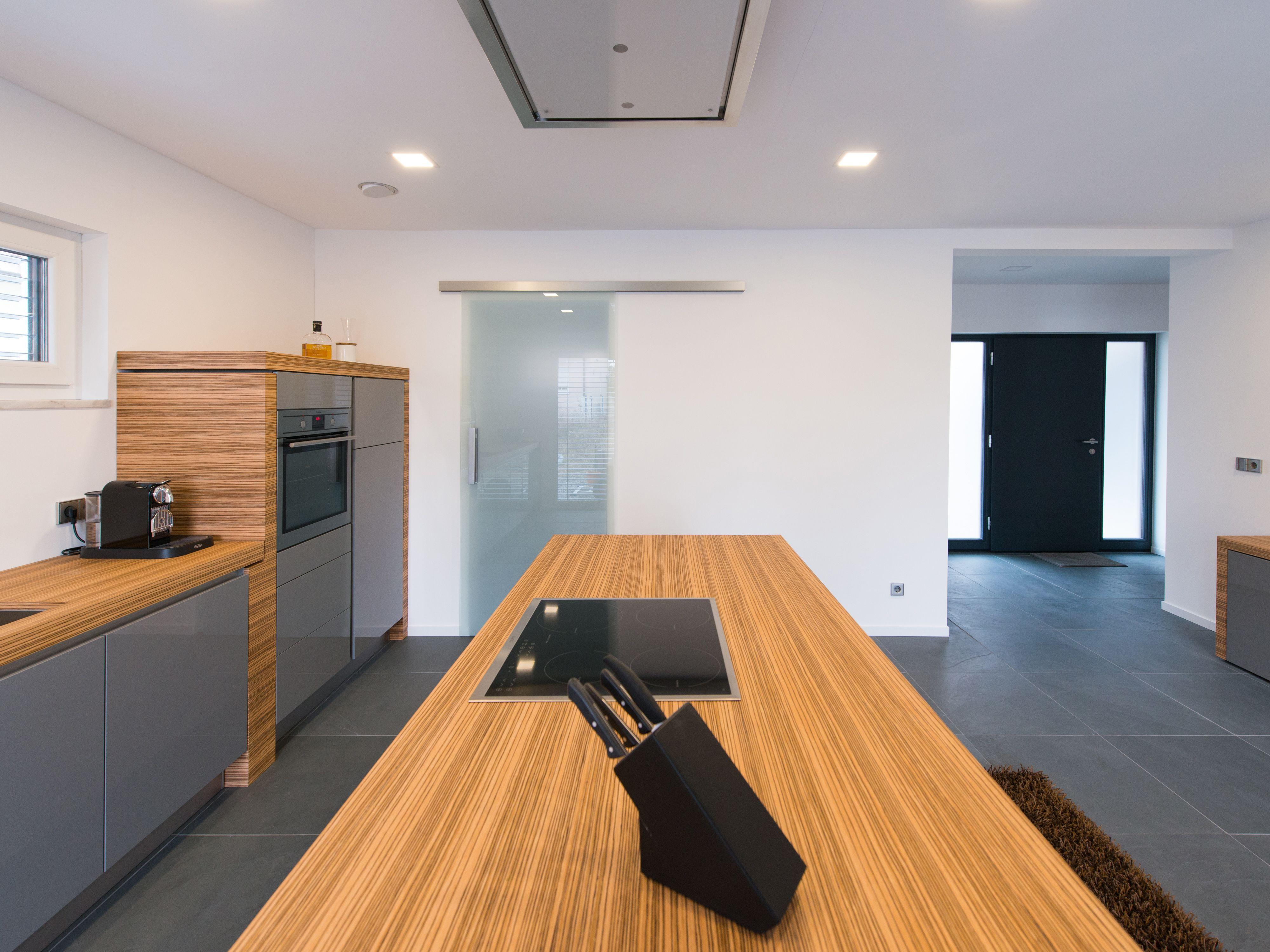 Modern, lässig und einladend: Diese Küche mit Schiefer-Boden kann ...