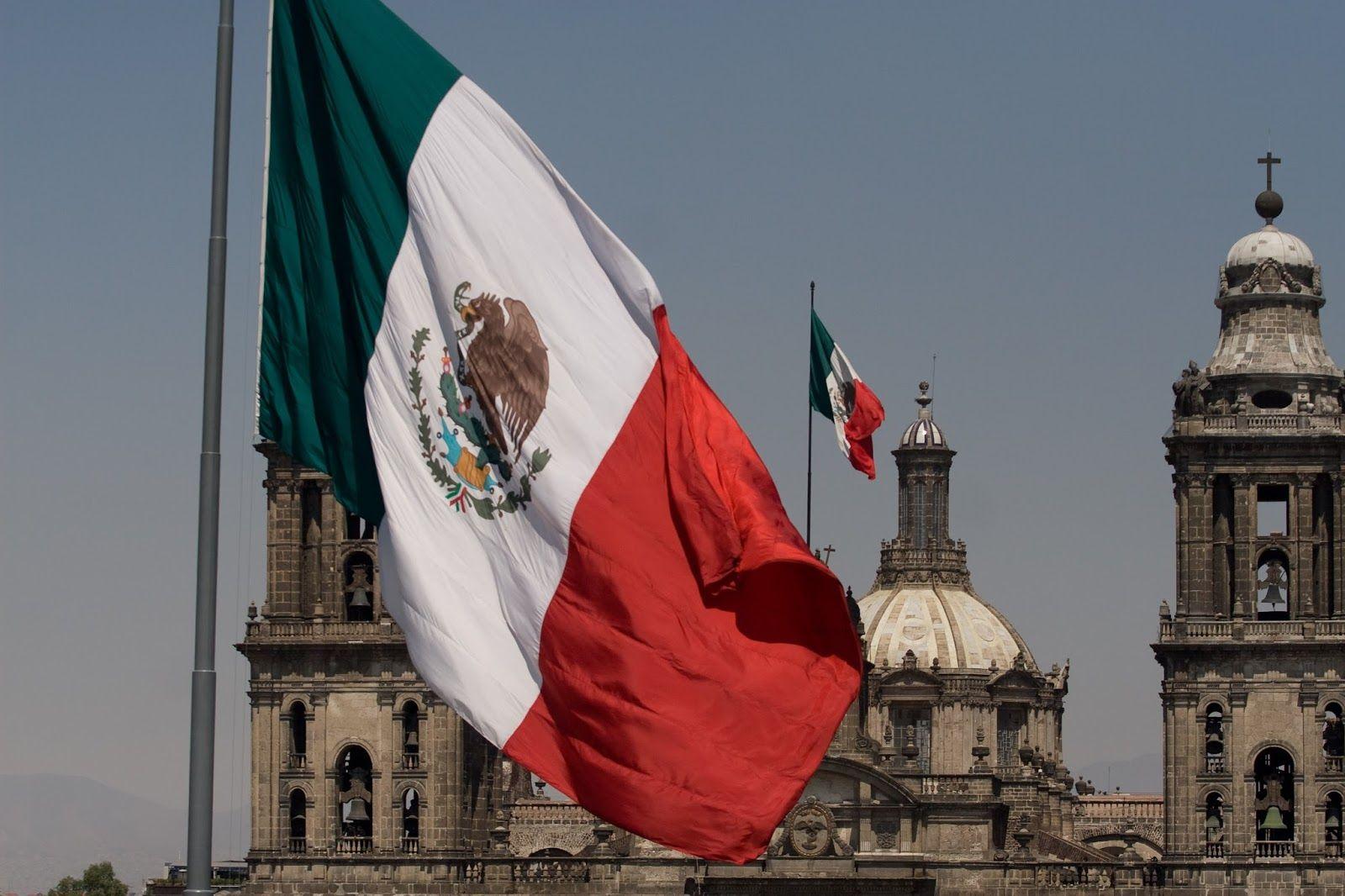 Bandera De Mexico Dia De La 24 De Febrero 1 Jpg 1600 1066 Historia De Mexico Mexico Bandera Banderas Mexicanas