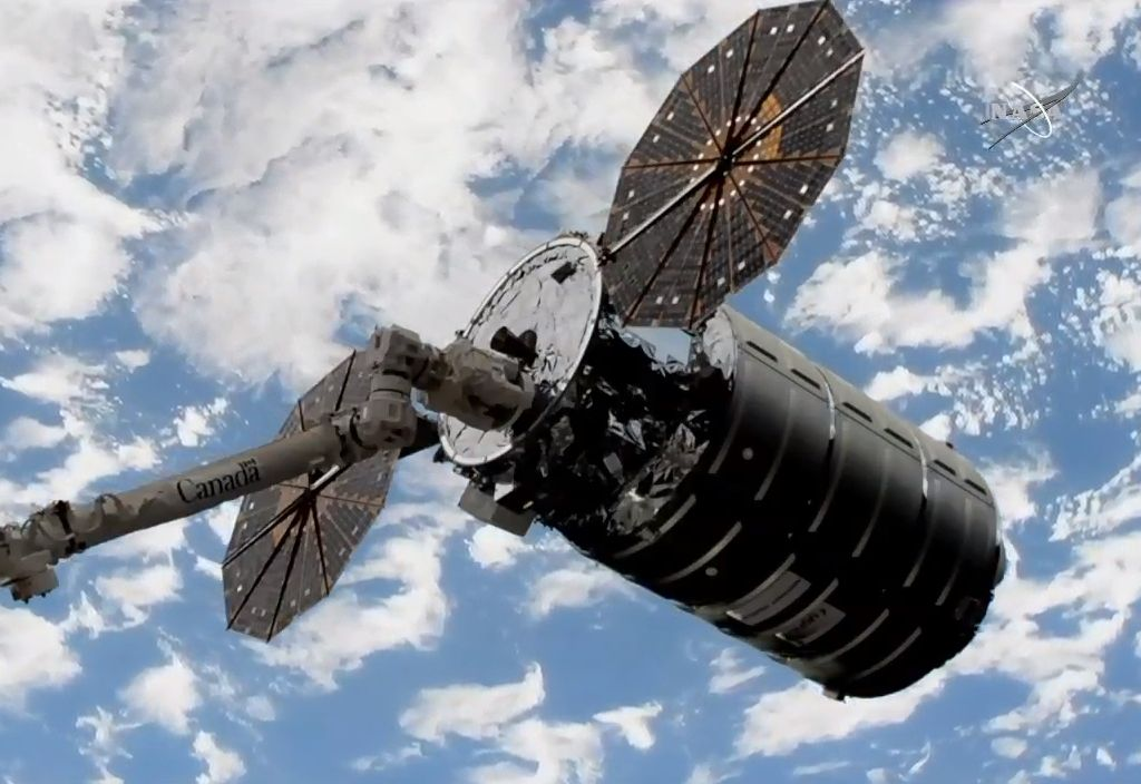 Cygnus arrives at the ISS following Antares launch
