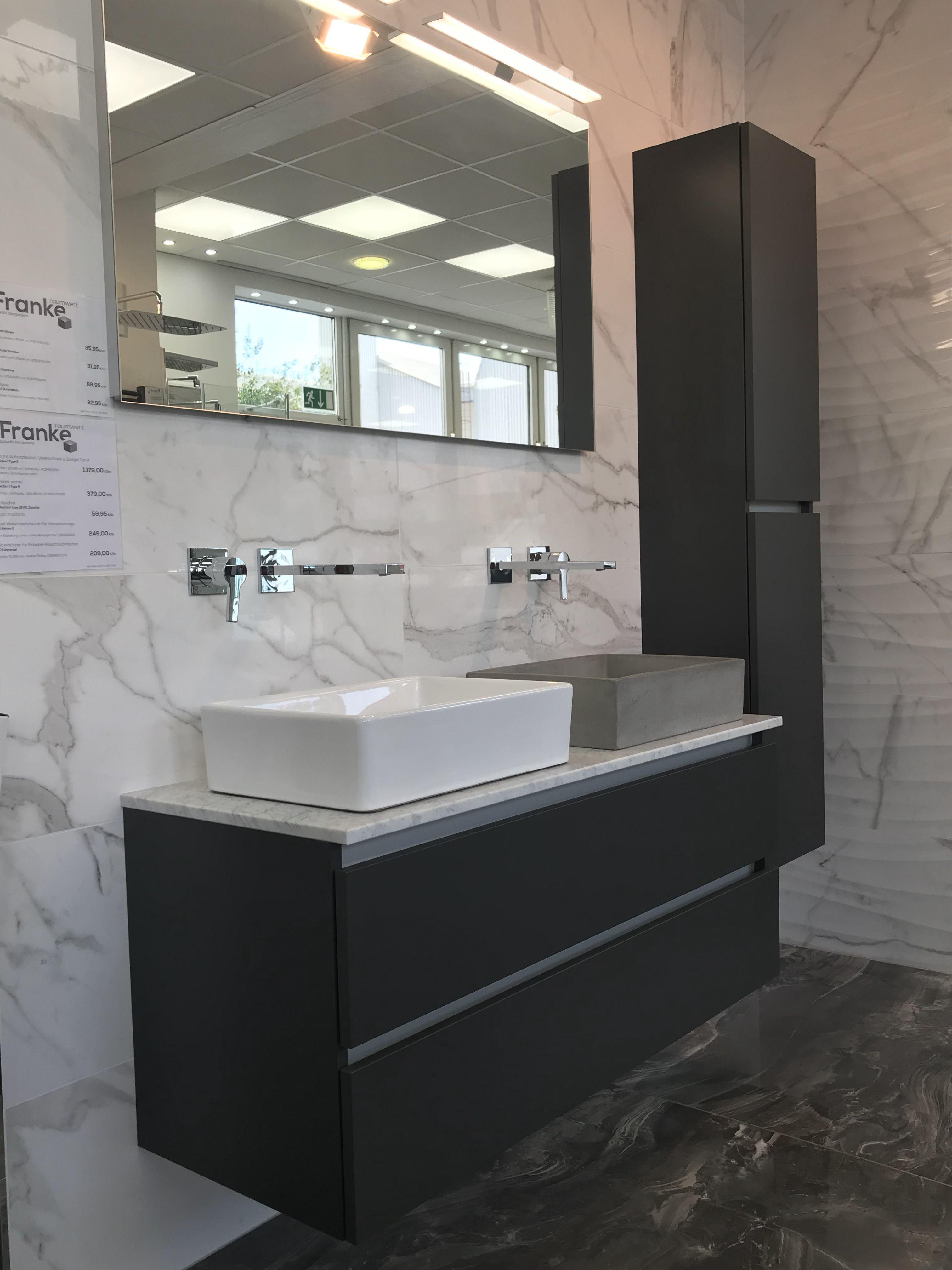 Waschtische In Unterschiedlichen Optiken Breiten Farben Griffen Aufsatzbecken Und Verschiedene Ausfuhrun Badezimmer Mobel Bad Design Unterschrank