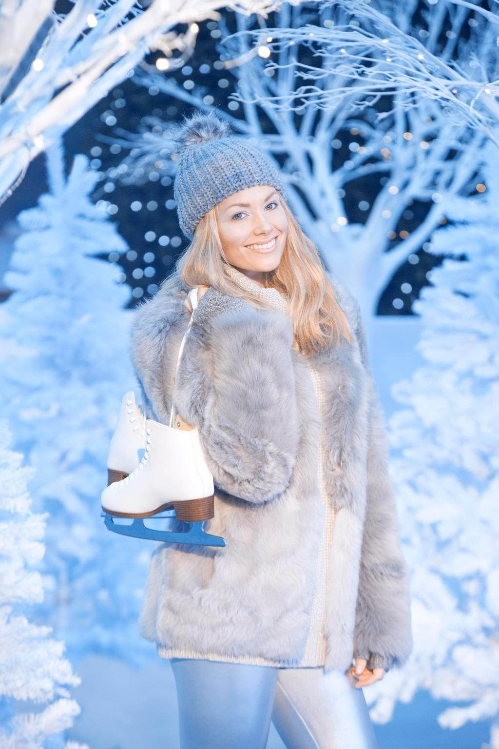 The stunning @GeorgiaHorsley1 launches Yorkshire's Winter Wonderland at #YorkOutlet #SkatePlayShopDine