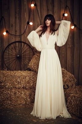"""""""Eddie"""" by Jenny Packham   Article: Rustic, Stylish Gowns from the Jenny Packham 2017 Bridal Collection   Photography: Courtesy of Jenny Packham   Read More:  http://www.insideweddings.com/news/fashion/rustic-stylish-gowns-from-the-jenny-packham-2017-bridal-collection/2941/"""