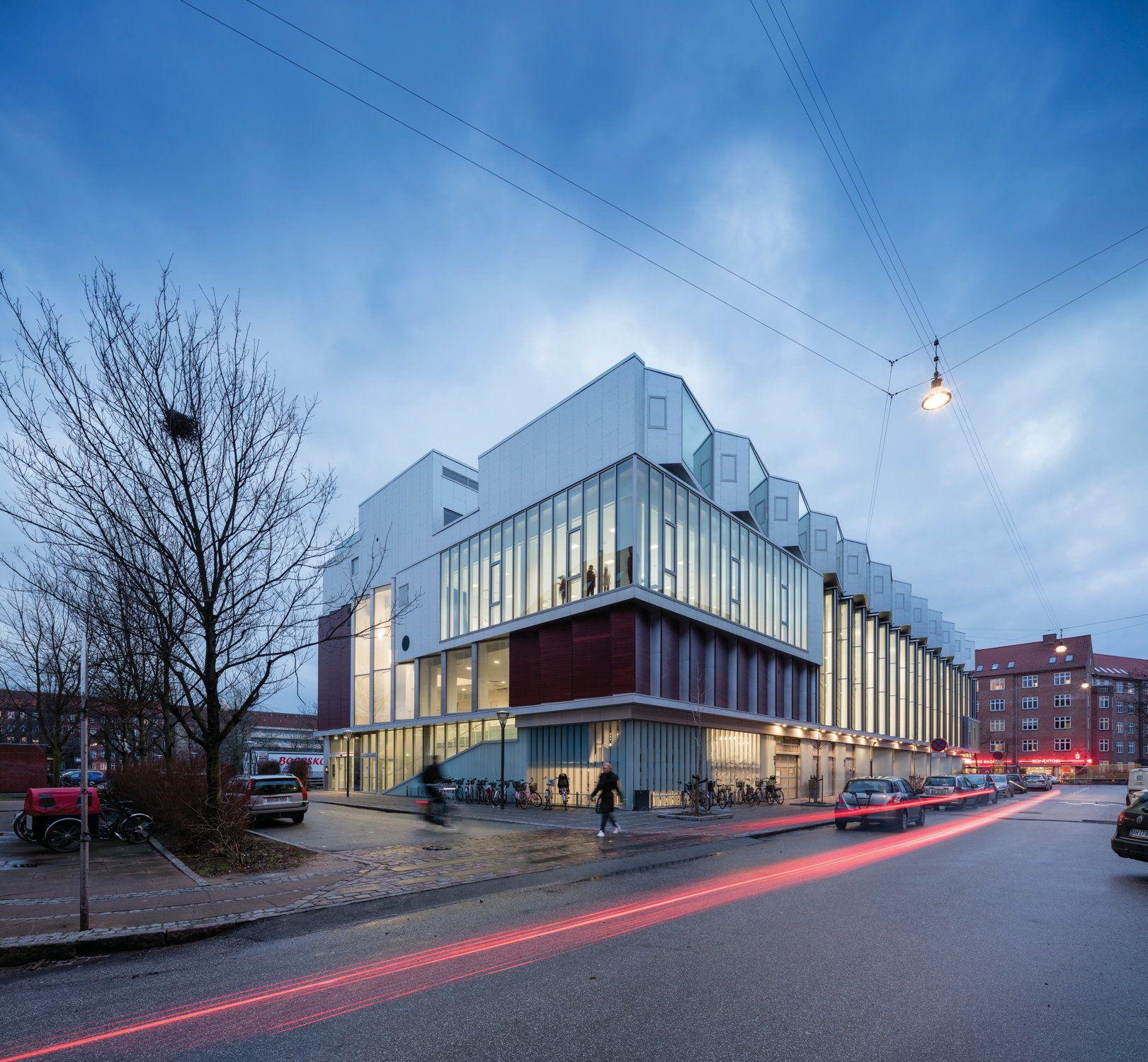 wohnsporthalle mit supermarkt hybrid von dorte mandrup in kopenhagen pinterest kopenhagen. Black Bedroom Furniture Sets. Home Design Ideas