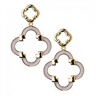 Cream Quartrefoil Earrings from Borsheims for $30. #OmahaFashionWeek #AffordableFashion