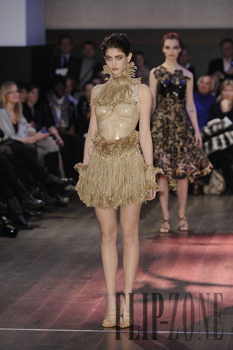 Franck Sorbier Printemps-été 2012 - Haute couture - http://fr.flip-zone.com/franck-sorbier-2532