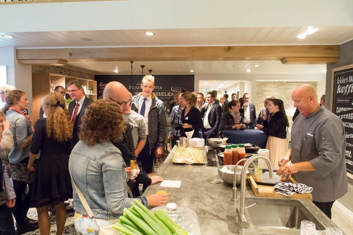 Keukens Sint Annaland : Gezelligheid bij ardi keukens in zeeland ardi keukens en