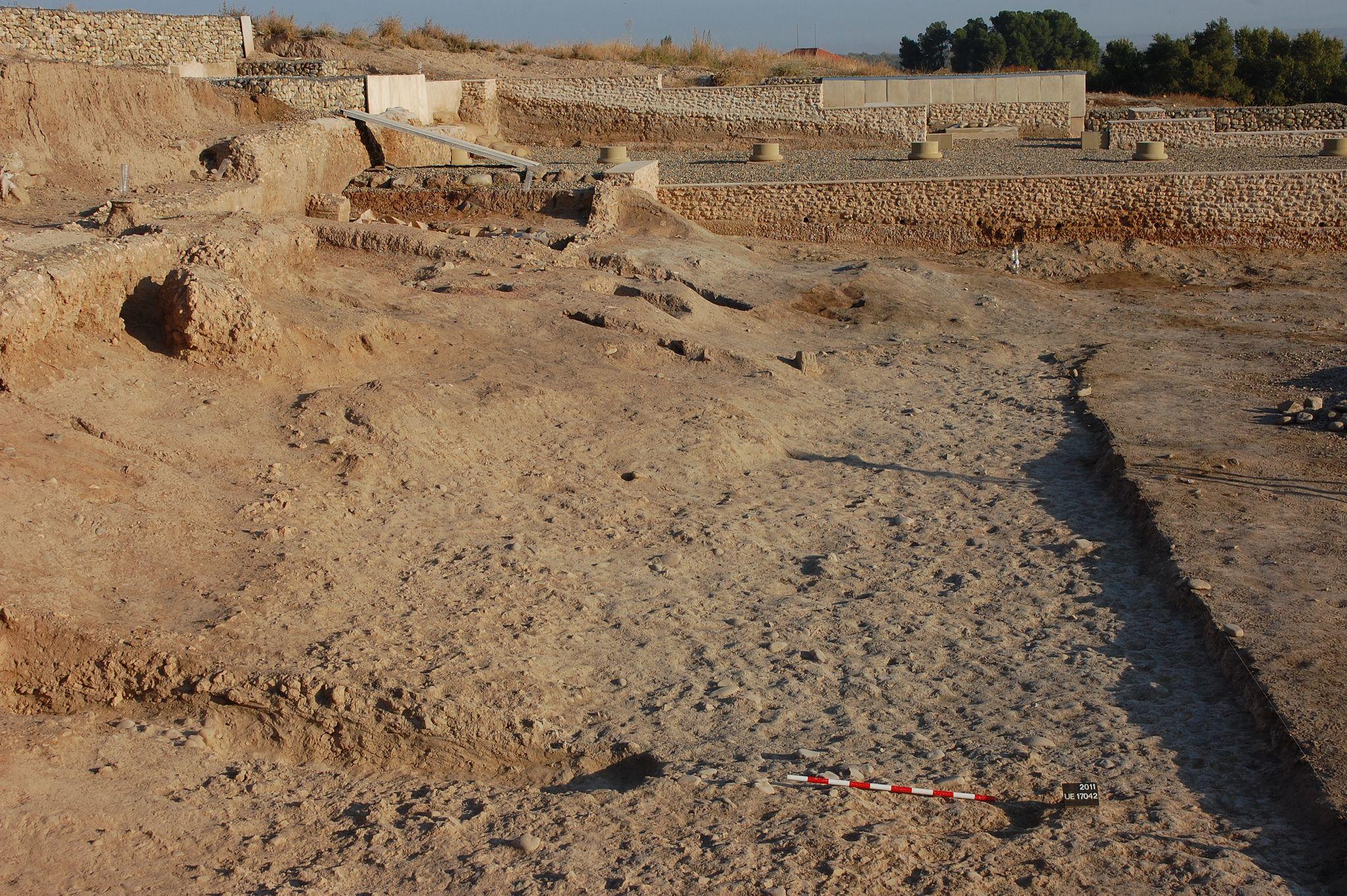 https://flic.kr/s/aHsjF4DUhz | Graccurris 2011 | Excavación y trabajos en el…