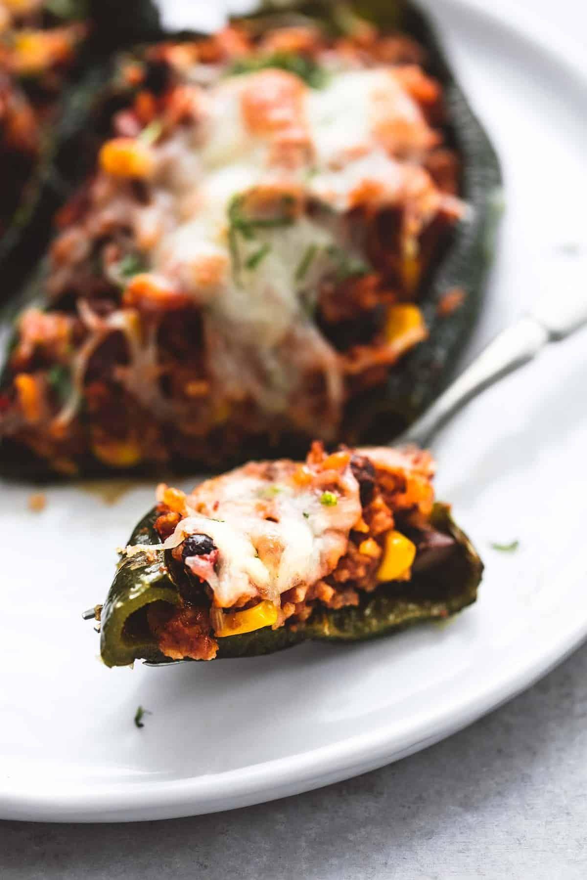 Southwest Stuffed Poblano Peppers Creme De La Crumb In 2020 Stuffed Poblano Peppers Stuffed Peppers Pepper Recipes Healthy