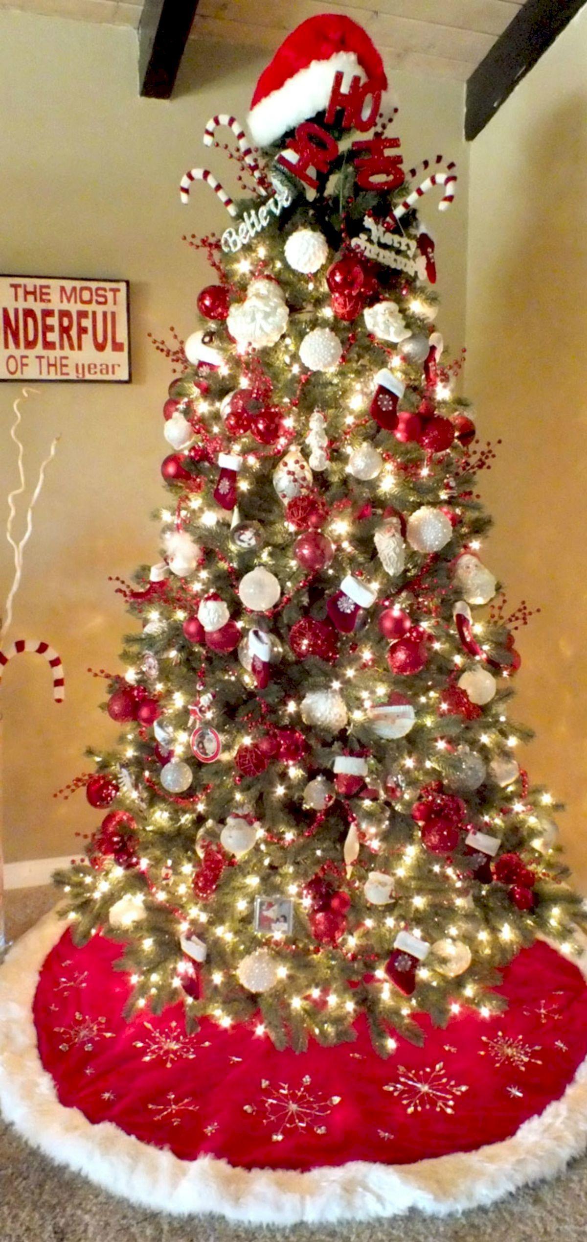 80 Beautiful Christmas Tree Decorating Ideas You Should Try Home Design Christmas Tree Decorations Christmas Tree Themes Christmas Decorations