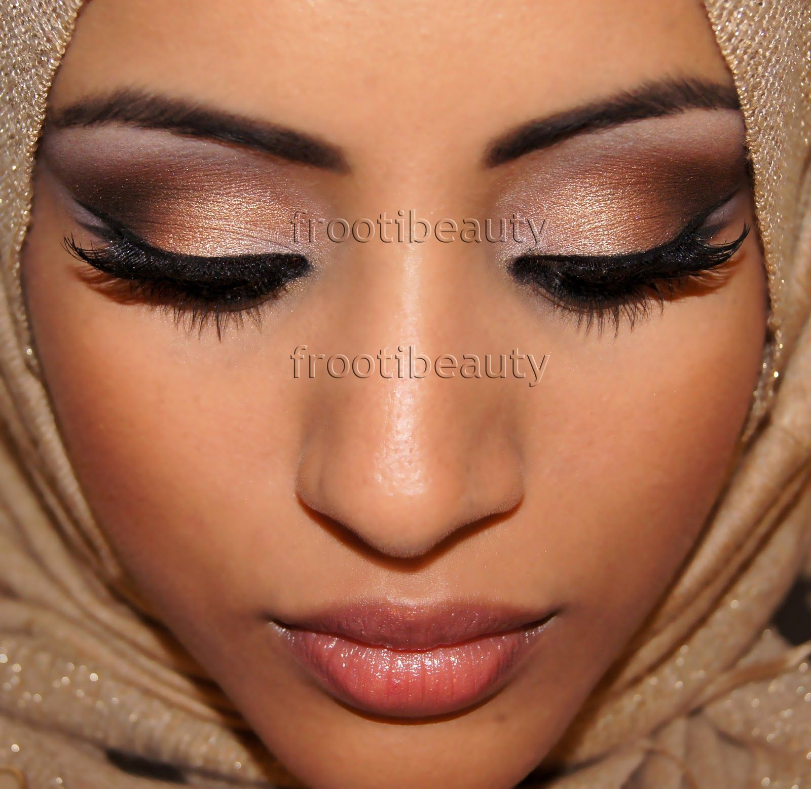 I really want to master this look this year! frootibeauty: Naked Arab makeup look..