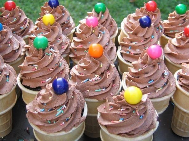Wilton S Chocolate Buttercream Icing Decorator Icing Frosting Recipe Food Com Recipe Chocolate Buttercream Icing Chocolate Buttercream Recipe Ice Cream Cone Cupcakes