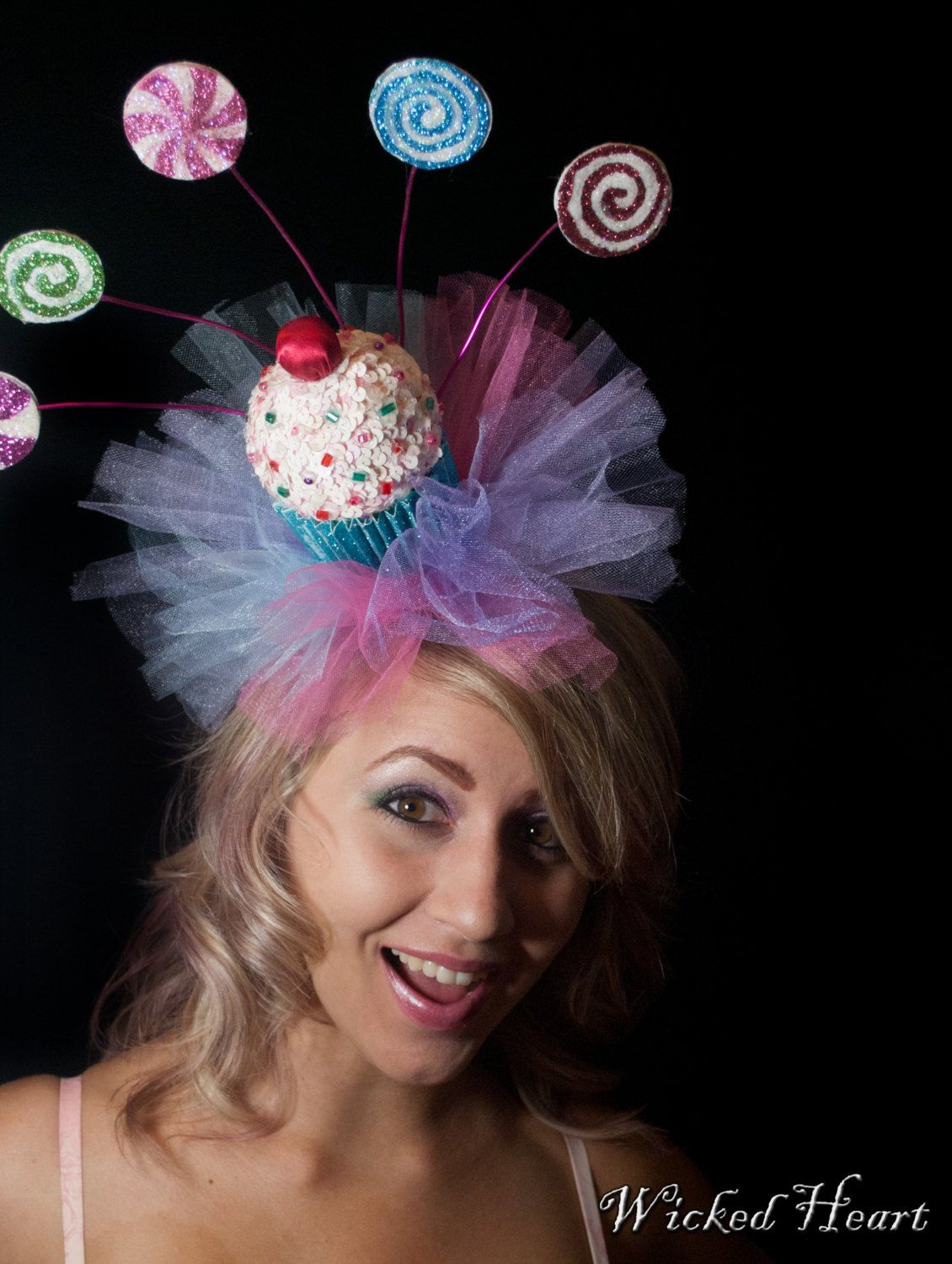 cupcake hat fascinator w lollipops sprinklesmade by wickedheart candy girl. Black Bedroom Furniture Sets. Home Design Ideas