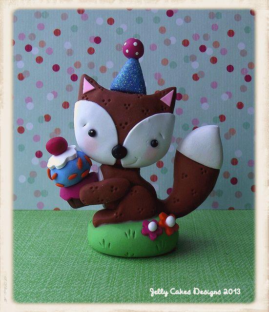 fox topper by Jelly Cakes Designs, via Flickr