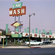 George Tate S Color Photographs Of Carwashes During The 1950s And 60s Show The Beginnings Of L A S Urban Sprawl Car Wash Car Car Maintenance