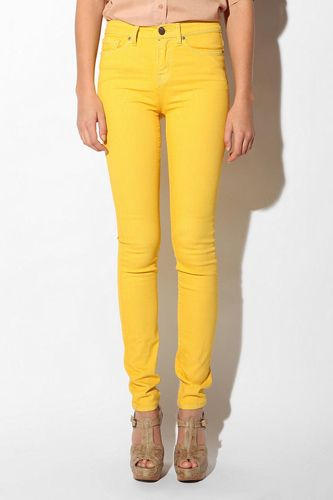 Bright skinnies #r29summerstyle