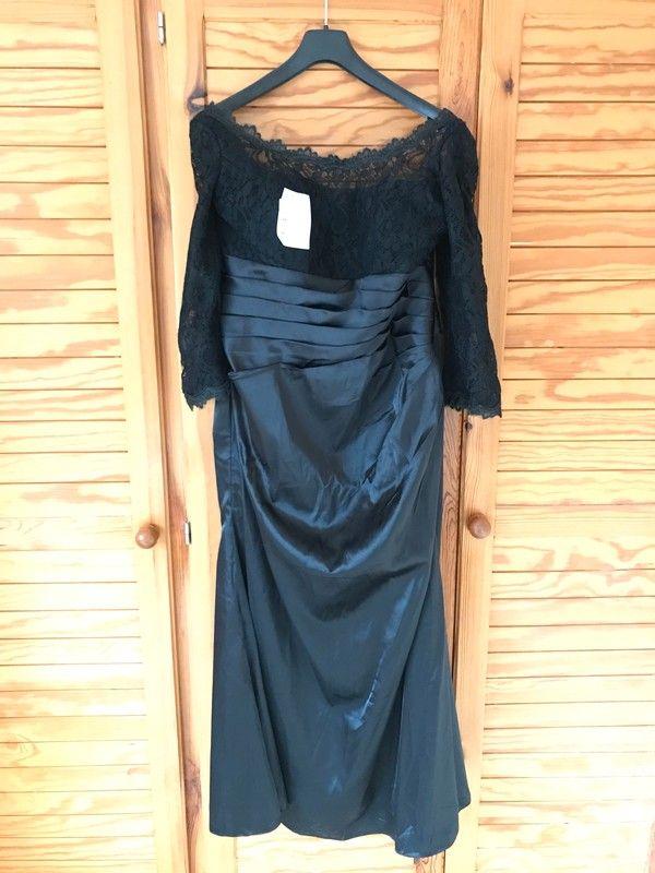 799c4099bfb3 Černé večerní či plesové šaty
