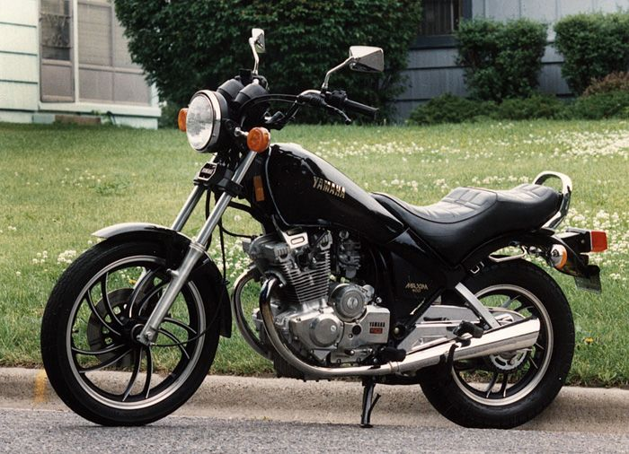 Yamaha XS400 Maxim   Bikes and stuff