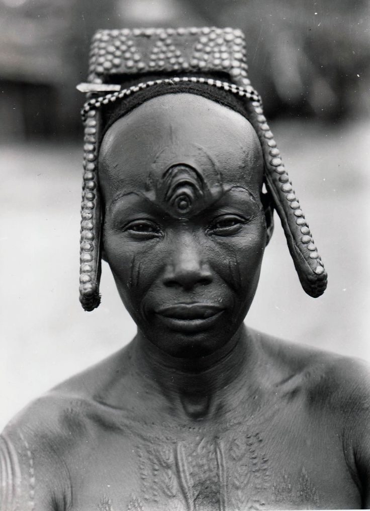 Africa Bakutu woman. Tshuapa Bodende Belgian Congo today the Democratic Republic of Congo C. Lamote. ca. 1957 Field photo of the day: a Bakutu woman (D.R. Congo)
