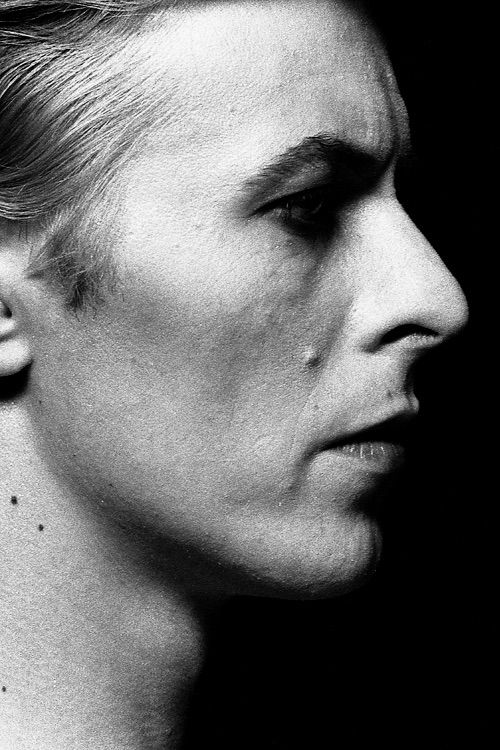 Image via We Heart It https://weheartit.com/entry/166726748 #1976 #blackandwhite #davidbowie #life #photography #themanwhofelltoearth