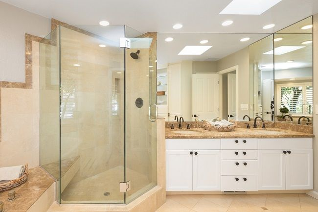 How Can You Decorate Your Bathroom With Frameless Shower Screens?