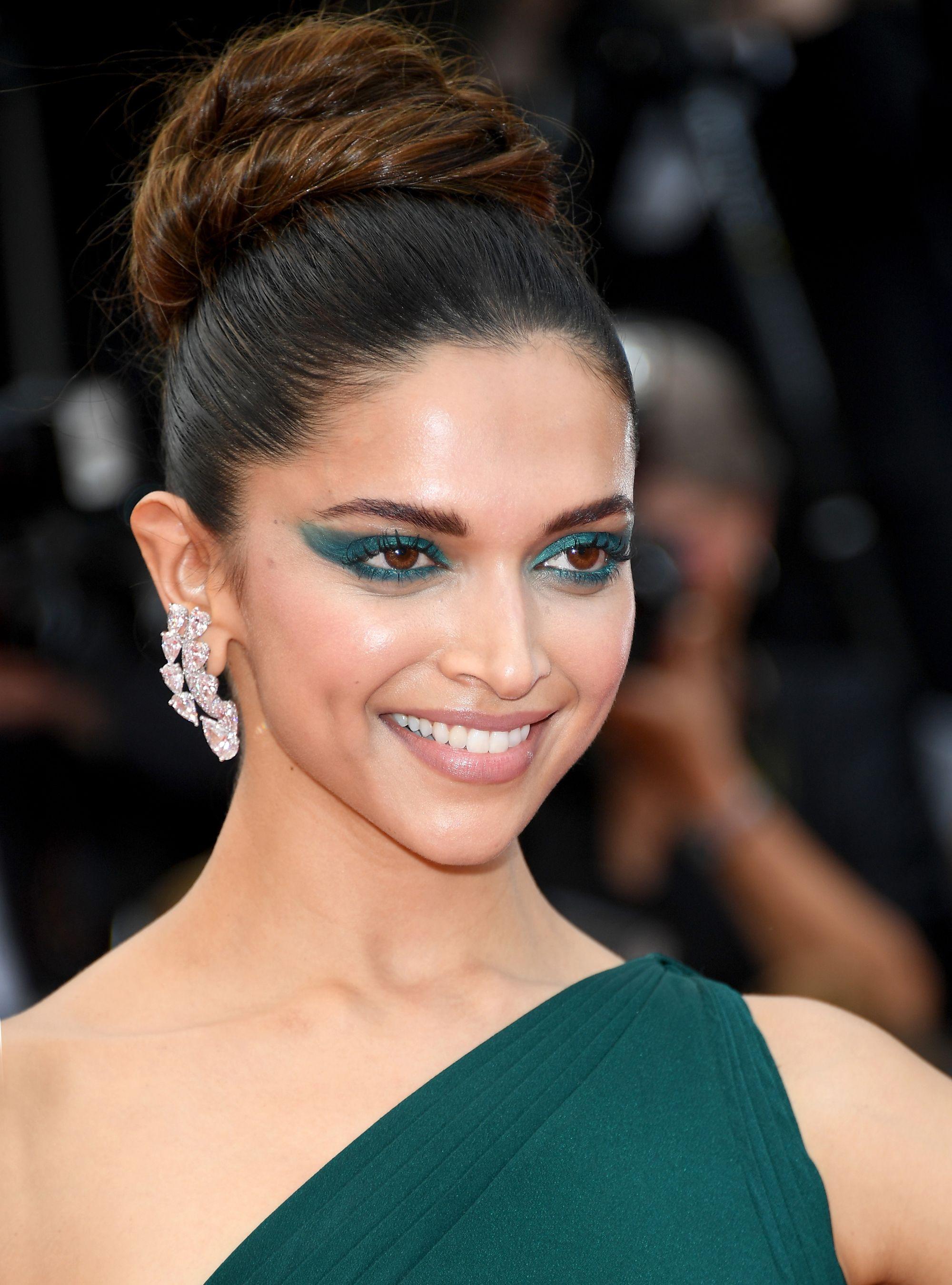Deepika Padukone Eye Makeup Tips - Deepika Padukone Age