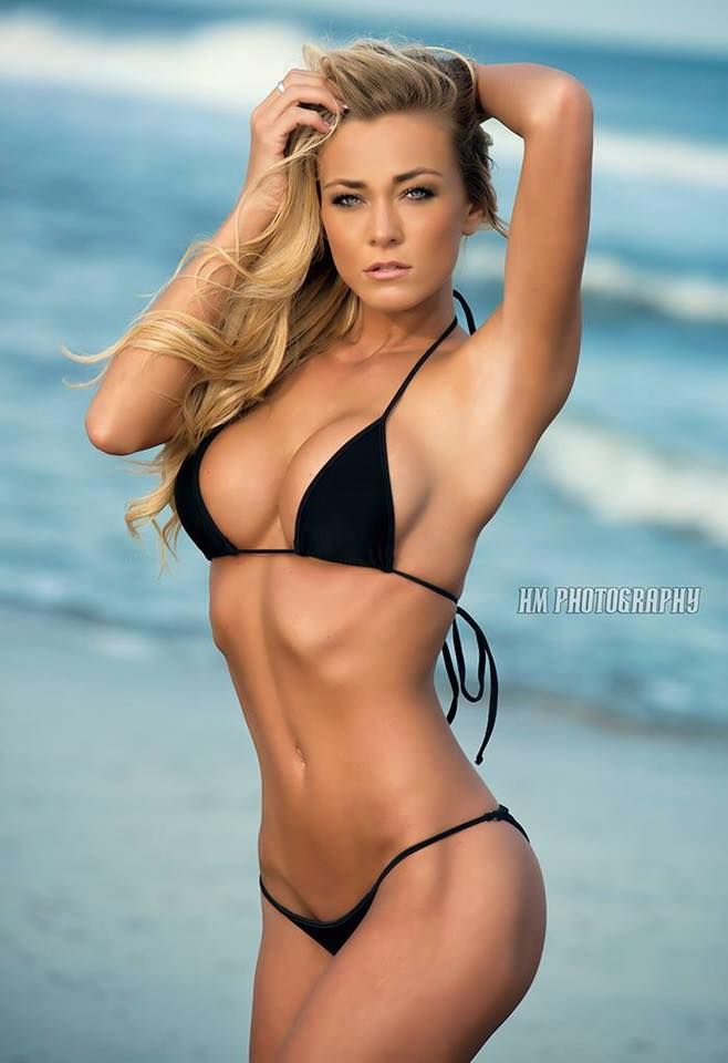 Hot babe in sofa bikini images 886