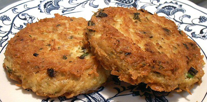 """Keto Crab Cake Recipes: Chicken """"crab"""" Cakes. Can't Eat Crab But I Love The Cake"""
