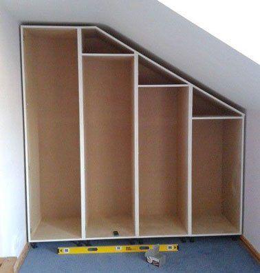 comment faire un dressing sous pente soi m me combles pinterest attic attic bedrooms. Black Bedroom Furniture Sets. Home Design Ideas