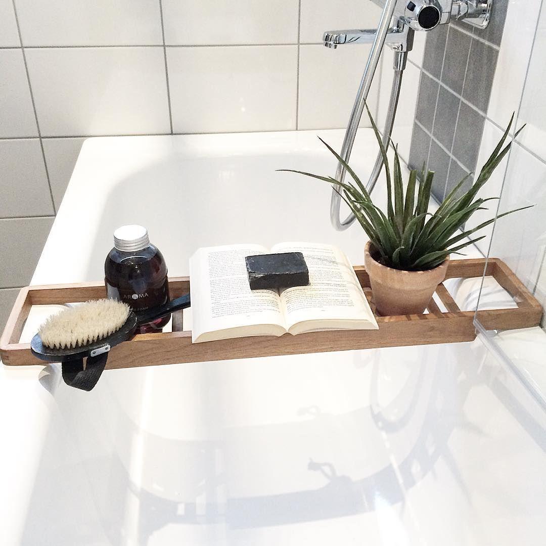 """""""Friday bath anyone? ✨ #homestylegoteborg #bathroom #interior #styling for @homestylegoteborg @husmanhagberg_goteborg"""""""