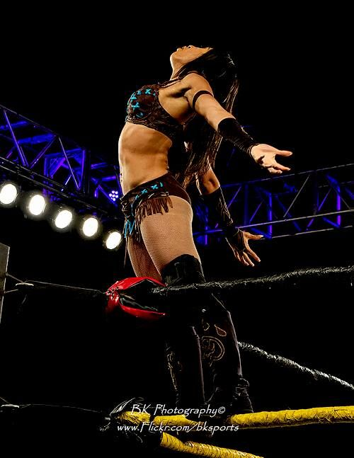 Womens Pro Wrestling: Hania The Howling Huntress - Female Wrestling