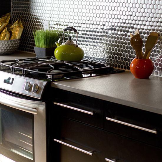 Penny Round Backsplash: Photo Features Metallica Brushed Stainless Steel 3/4 X 3/4