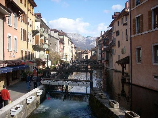 Le Freti in Annecy, France is a wonderful CHEESE experience!!