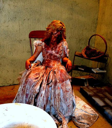 Moxley manor haunted house haunted houses house and for Haunted mansion ideas