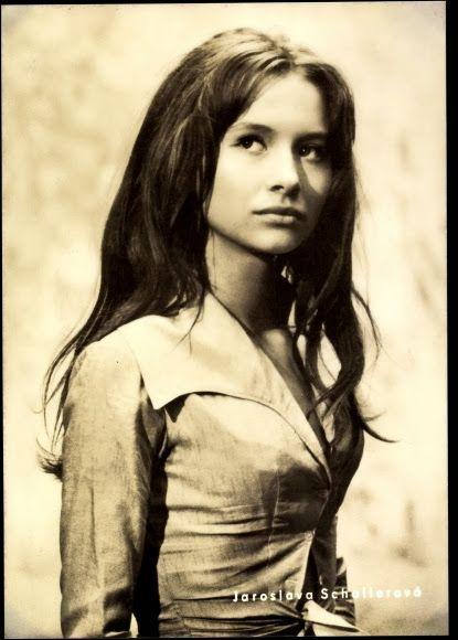 Fashion in Film: Jaroslava Schallerová   Vintage portraits